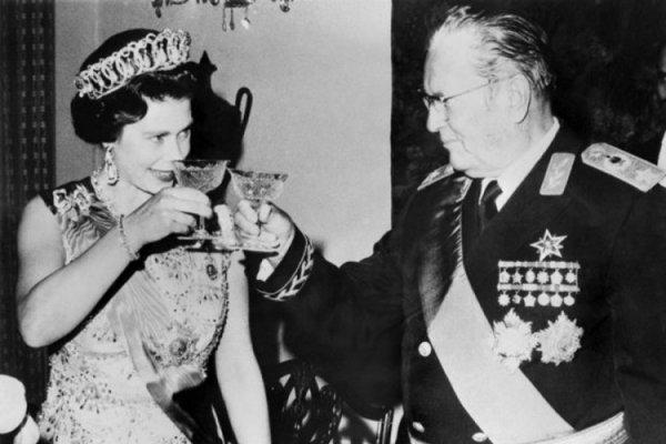 Pogledajte kako je Tito ponizio britansku kraljicu Elizabetu