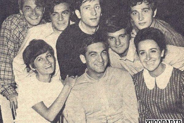 Na ovoj fotografiji staroj pola vijeka prepoznajemo sva lica osim jednog,  a njegova sudbina je najtragičnija