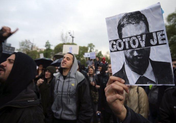 http://hrvatskifokus-2021.ga/wp-content/uploads/2017/04/novi.ba_storage_2017_04_06_thumbs_58e5f7fa-9730-47c4-bb8e-0b780a0a0a6c-protesti-srbija10-690x480.jpg