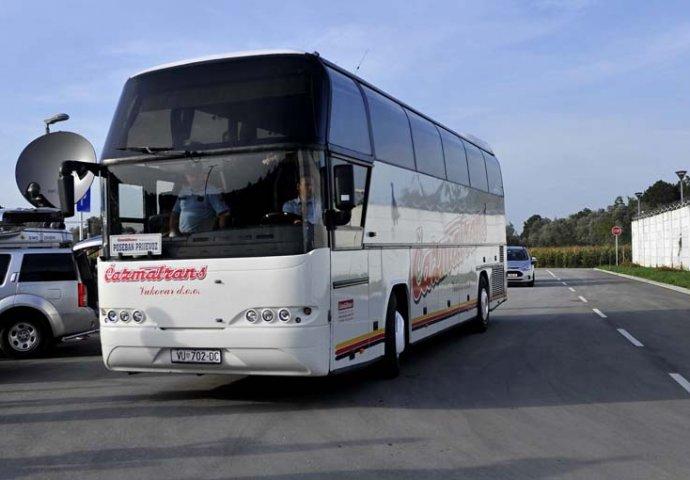 Djecak 12 Se Cak Pet Sati Vozio Ispod Autobusa Na Liniji Beograd Zagreb Novi Ba