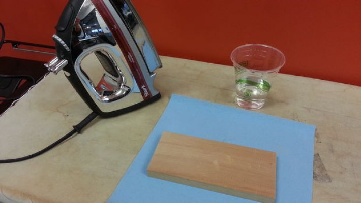 trik-je-vrlo-jednostavan-koristicemo-peglu-i-paru-za-udubljenje-od-materijala-vam-je-potrebna-4