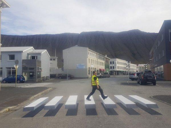 3d-pedestrian-crossing-island-59f0352da431b-880