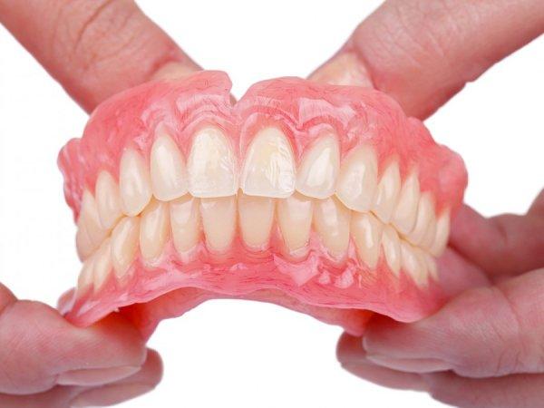 dentalna-proteza-gornja-i-donja-vilica