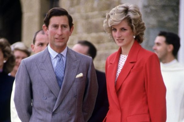 prod-diana-princess-of-wales-and-prince-charles-visit-a-church-in-florence