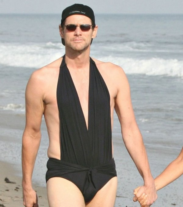 21837910-jim-carrey-jenny-mccarthy-same-swimsuit-01-1523626287-728-aa9d40f1c1-1523880272