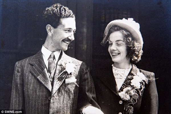 4ebcfc3400000578-6016653-megan-and-denis-on-their-wedding-day-in-1948-they-have-never-had-a-5-1533158454139