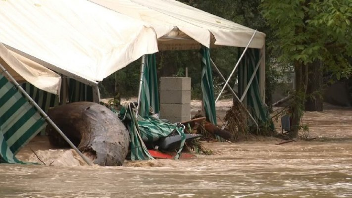 605513-hundreds-evacuated-from-campsites-as-southern-france-hit-by-flash-flooding