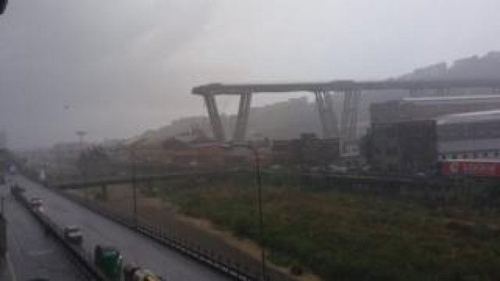 102965252-italy-bridge-collapse