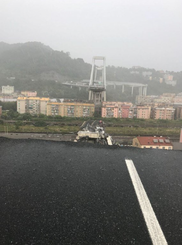 genoa-motorway-bridge-collapse-italy-1423442