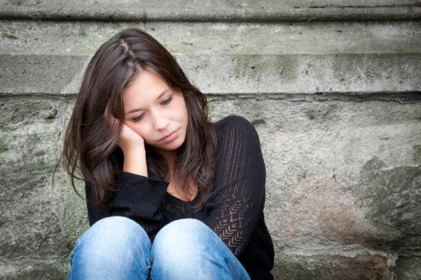 depressedgirl-istock-000017257227small