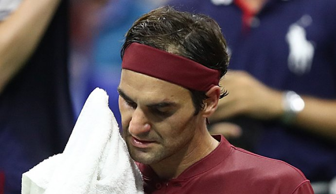 shock-roger-federer-retired-against-john-millman