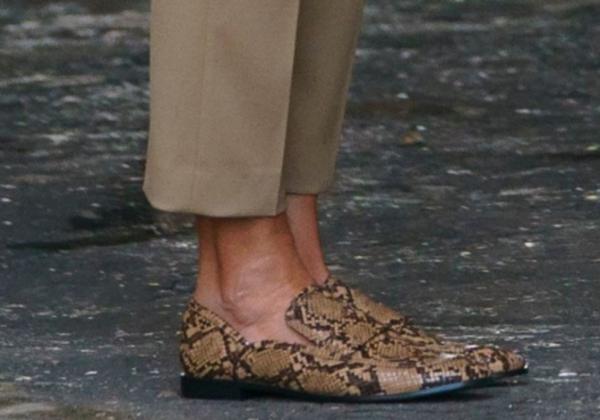melania-trump-zara-snakeskin-loafers