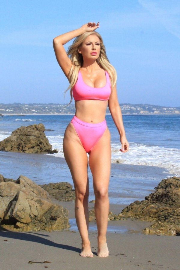 ana-braga-in-bikini-at-a-photoshoot-in-malibu-2018-08-12-01
