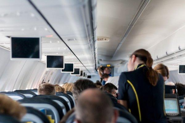 stjuardesa-avion-pixabay