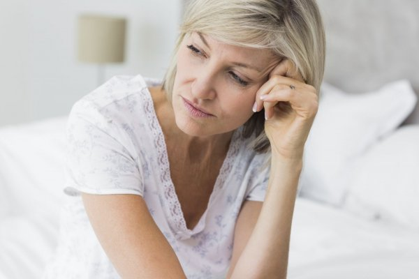woman-sex-bed-menopause