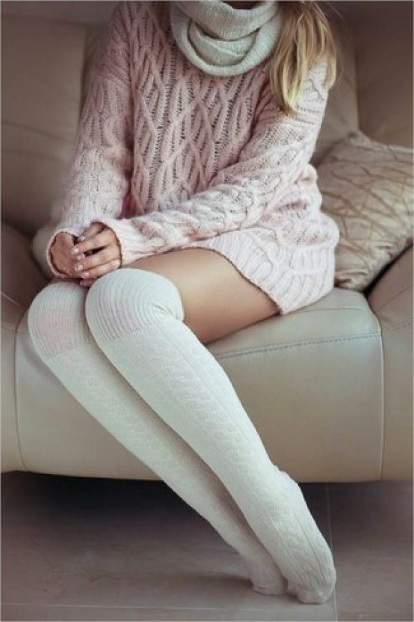 pink-knit-oversized-sweater-white-knee-high-socks-white-knit-scarf-large-14471