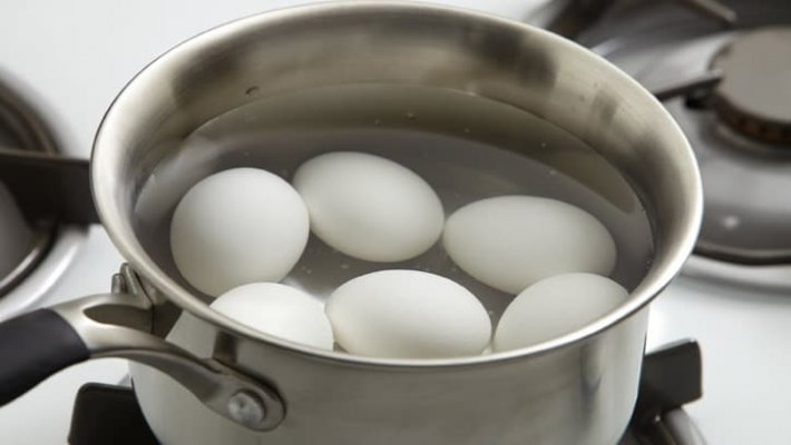 how-to-hard-boil-eggs-01