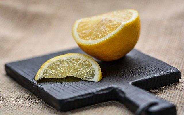 limun-sa-tvrdom-kozom-960x600