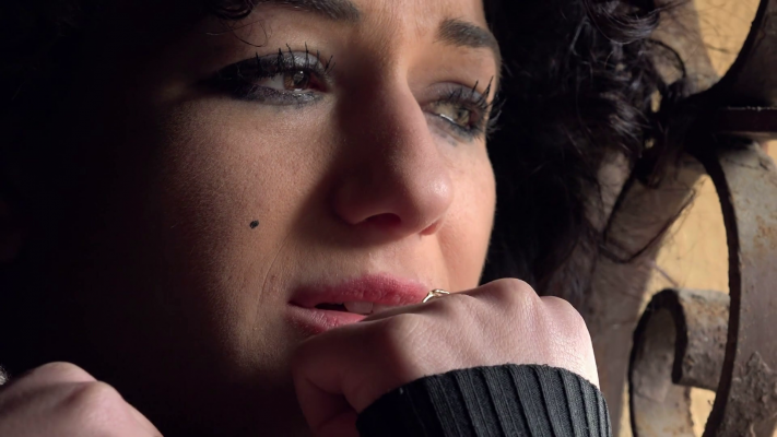 desperate-and-sad-woman-crying-hghexxgqe-thumbnail-full01