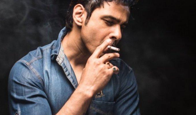 238519-black-background-cigarette-close-up-1442297-f