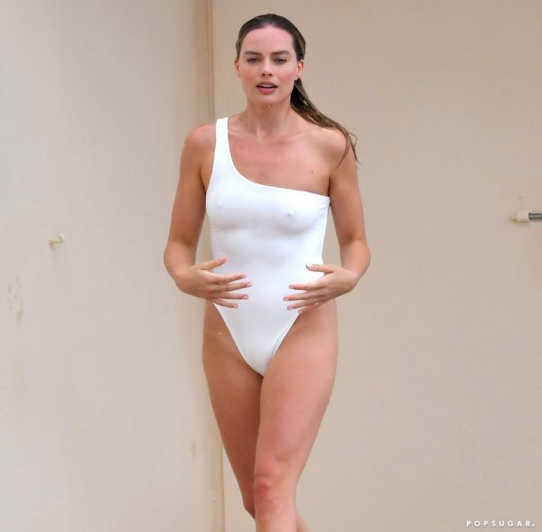 margot-robbie-white-swimsuit-cannes-2019