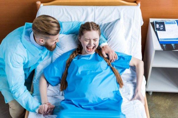 zena-se-poradja-porodjaj-bolnica-830x553