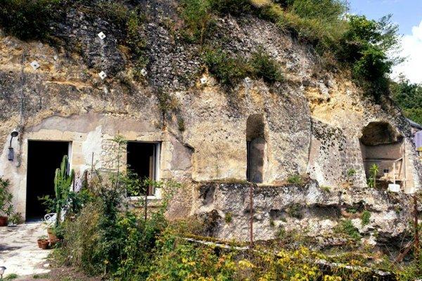 chez-helene-cave-home-1