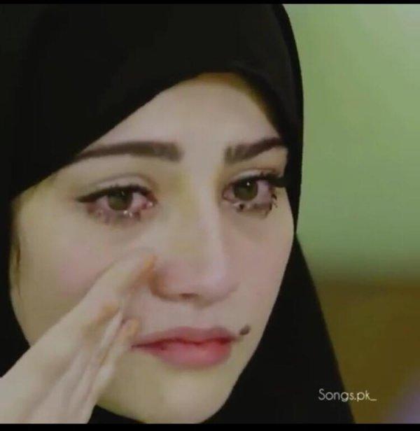 muslimanka-place-u-serijiz