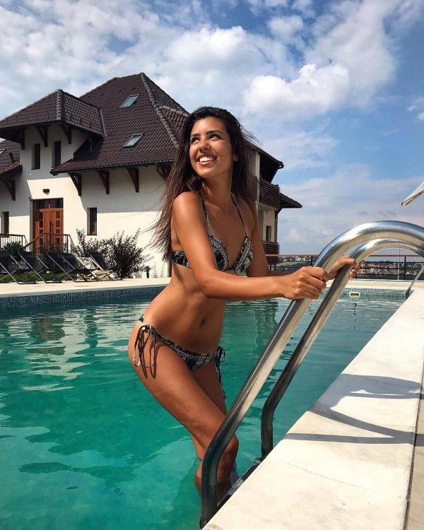 Andrijana Savic (SERBIA 2020) 5d9f0687-700c-45ea-b9a3-32450a0a0a64-andrijana6-previewOrg