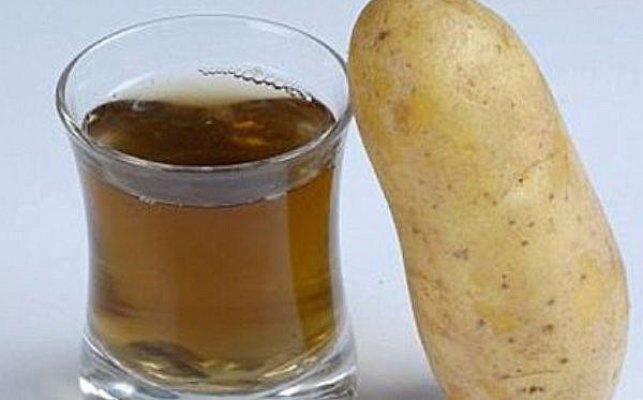 ispolzuem-kartofelnij-sok-polza-i-vred-kotorogo-horosho-izucheni