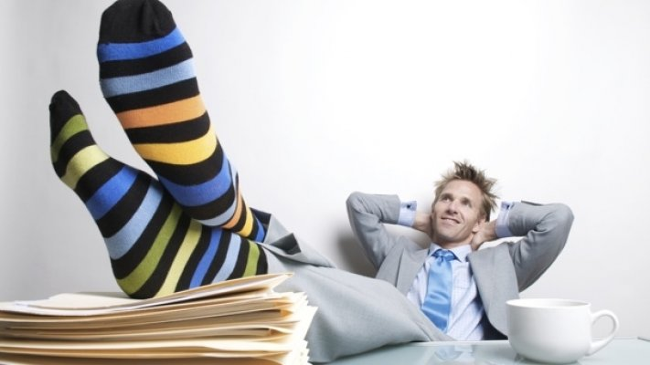 lazy-man-work-000010275265