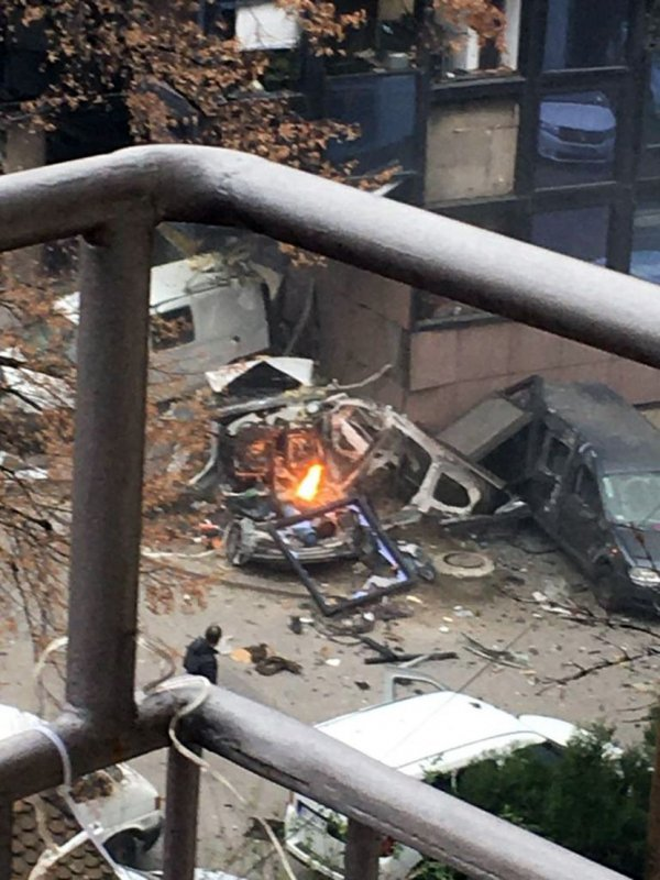 eksplozija-auta-rts-2-830x0