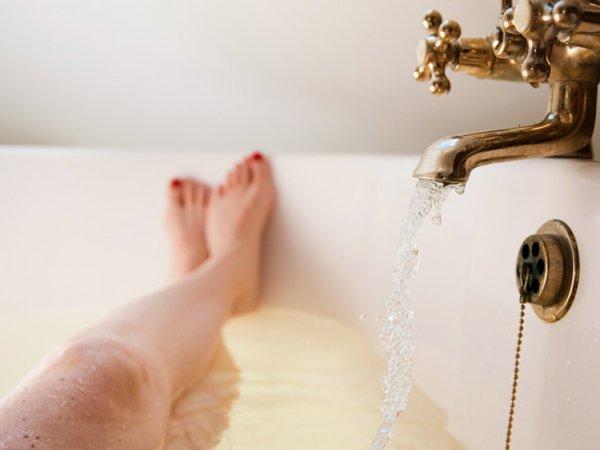 woman-taking-a-bath-732x549-thumbnail
